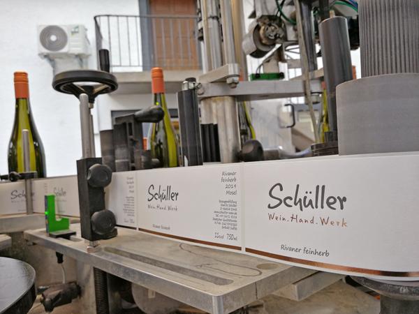 Etikettierung Weinflaschen